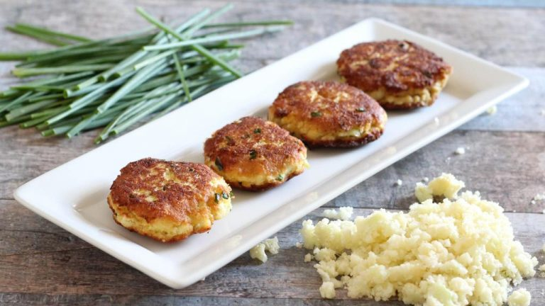 paleo-cauliflower-recipe-crispy-cauliflower-cakes