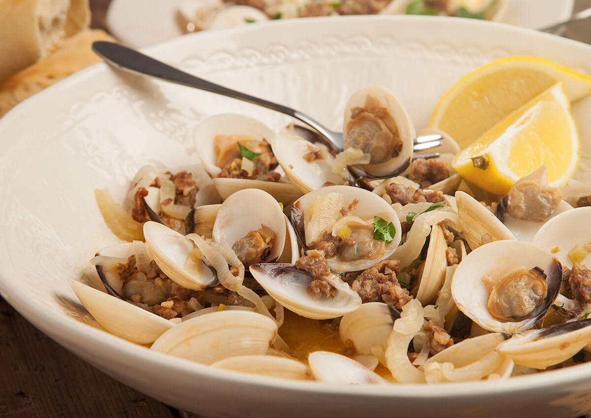 Baked clams with roasted sweet shallots